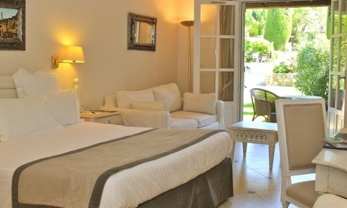 Deluxe Rooms of the Hôtel de Mougins 4-stars hotel - Mougins - French Riviera