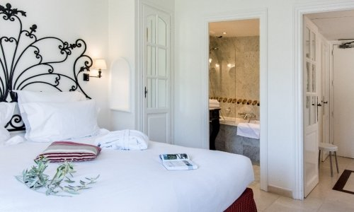 Suites of 4-stars hotel, Hôtel de Mougins