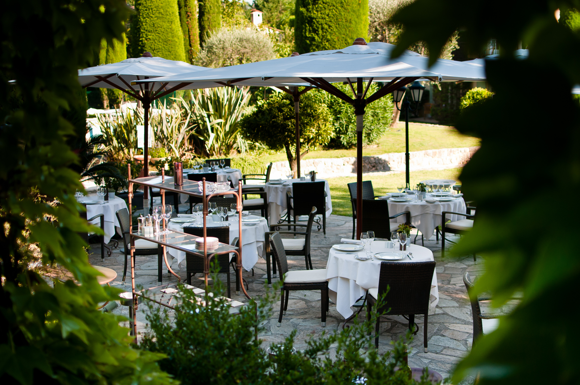 Restaurant le jardin bar room service menu de l for Restaurant antibes le jardin